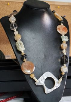 COLLANA ARTIGIANALE IN PIETRE NATURALI / HANDMADE NECKLACE IN NATURAL STONES