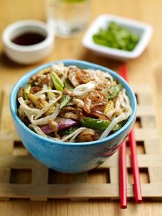 Thai Style Prawn and Peanut Noodles Recipe - would prefer to try with turkey/chicken yum yum Uk Recipes, Whole Food Recipes, Vegan Recipes, Healthiest Nut Butter, Peanut Noodles, Sweet Chilli Sauce, Thai Style, Noodle Recipes, Vegane Rezepte