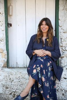 20 Questions with Elle Rowley, Founder of @sollybaby. As the founder of Solly Baby, a line of custom baby wraps made in America, Elle Rowley provides cozy comfort for newborns and stylish individuality for new moms.