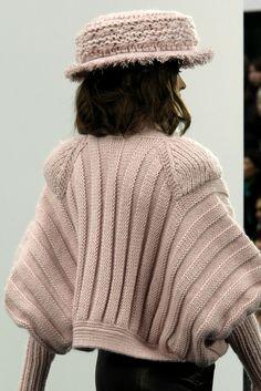 "mademoisellefashionn: "" vvvestvvood: "" Chanel Fall 2009 RTW "" Bonjour, nous sommes Katarina et Violeta. Nous adorons la mode. """
