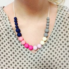 Silicone Teething Necklace Nursing Necklace par WrightDesignCo