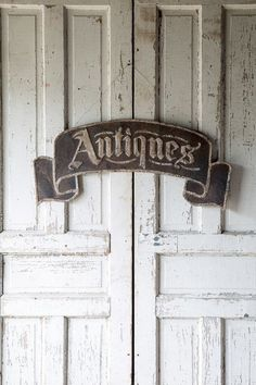 Metal Antique Scrolling Signage