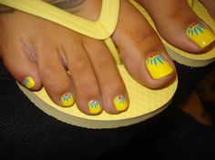 Beautiful summer pedicure @ Evolve Salon
