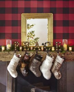 Our stockings' superior-quality faux fur is exceptionally woven from the finest materials for a sumptuously plush feel.