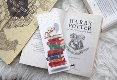 Marque-page Harry Potter, à imprimer Marque Page Harry Potter, Saga Harry Potter, Harry Potter Diy, Harry Potter Bricolage, Anniversaire Harry Potter, Bookmarks, Book Worms, Hobbies, Geek Stuff