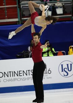 Meagan DUHAMEL/Eric RADFORD(CAN) Pairs Short EOS-1D X Mark II,EF200-400mm f/4L IS USM,F4.0,1/1000sec,ISO8000 (c)M.Sugawara/JapanSports