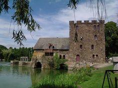 Chateau de Chenille-Change, département de la Mayenne, Pays de la Loire, France