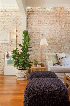 ściana z cegły, taki element mógłby znaleźć się gdzieś w mieszkaniu