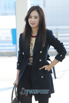 http://okpopgirls.rebzombie.com/wp-content/uploads/2012/11/SNSD-Yuri-airport-fashion-nov-1-5.jpg