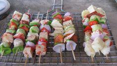 Come fare gli spiedini vegetariani con 5 ricette per il barbecue estivo