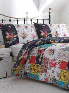 scarf duvet bedding duvet cover linen quilt floral black and white multicoloured blanket bedding set Bedding Master Bedroom, Duvet Bedding, Linen Bedding, Bedroom Decor, Bed Linens, Vintage Bedding Set, Bohemian Bedding Sets, Bed Duvet Covers, Cozy Bed