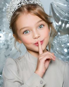 """Sssshhhhh we have something major about to be announced! 😊 ————————————————————— Loving this photo 💝😍 📸…"" Beautiful Little Girls, Cute Little Girls, Beautiful Children, Beautiful Eyes, Little Girl Photography, Cute Kids Photography, Children Photography Poses, Fashion Photography, Cute Baby Girl Pictures"