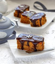 Delicious chocolate pumpkin cake (in Romanian) Chocolate Pumpkin Cake, Chocolate Bars, Baking Recipes, Dessert Recipes, Romanian Desserts, Delicious Chocolate, Ice Cream Recipes, Amazing Cakes, Sweet Tooth