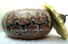 Mate burilado peruvian pumpkin large size engraved por Peruartisan