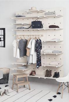 Peg Board Shelves, Peg Boards, Bedroom Inspo, Perfect Wardrobe, Spare Room, Bedroom Furniture, Furniture Design, Bedroom Decor, Modular Wardrobes