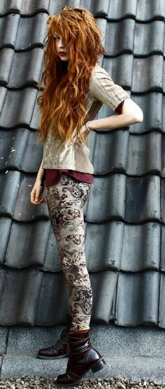 """nadia esra. """"Luci quit glaring at me"""" """"These tights looks like the wallpaper""""…"""