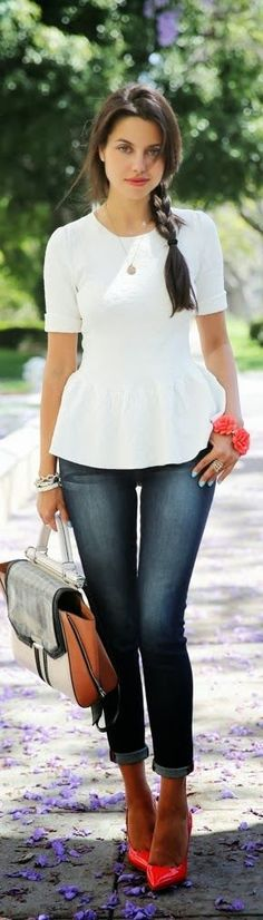 Capri jeans with pink pumps