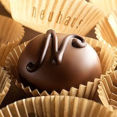 We all love chocolate. The industry has expanded so that now we are able to choose from a wide variety of chocolates that are both high in q. Haute Chocolate, Chocolate Sweets, Chocolate Shop, Belgian Chocolate, Love Chocolate, Chocolate Truffles, How To Make Chocolate, Chocolate Lovers, Chocolate Kisses