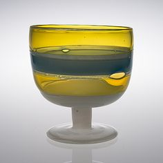 KAJ FRANCK - Glass bowl for Nuutajärvi Notsjö at the end of Finland. [h 22 cm, Ø 20 cm] - Auctioned for in Glass Design, Design Art, Art Of Glass, Mid Century Design, Modern Contemporary, Wine Glass, Scandinavian, Sculptures, Passion