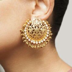 Indian Jewelry - Stylish Jewelry for your Indian Bride >>> Learn more by visiting the image link. Indian Jewelry Earrings, Filigree Jewelry, Jewelry Design Earrings, Indian Wedding Jewelry, Gold Earrings Designs, Gold Jewellery Design, Bridal Earrings, Bridal Jewelry, Antique Jewelry