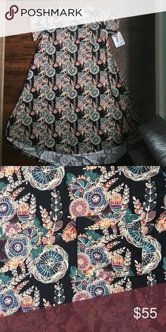 BNWT LuLaRoe Black Background Floral Carly Slinky material, beautiful Floral LuLaRoe Dresses