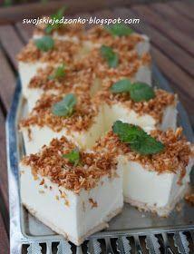Bardzo delikatne i lekkie ciasto-szybko się robi i jest naprawdę pyszne.Śnieżki,twarożek,galaretki i oczywiście kokos-to na prawdę udan...