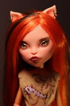 Toralei Stripe Repaint/Reroot Monster High by armeleia on Etsy. Very cool dolls...