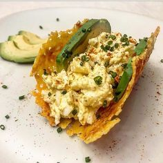 The crispy egg salad with cheese shell was super dinner last night. My nephew who Diet Dinner Recipes, Keto Recipes, Sandwich Pictures, Simply Keto, Diet Center, Mayonnaise Recipe, Fresh Chives, Egg Salad, Daily Meals