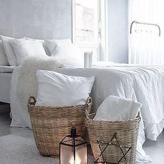 Sweet dreams  #sweetdreams #makuuhuone #bedroom #bedroomdecor #interior4all #interior #likesforlikes #like4like #instalike #instagood #inspiration #whiteinterior #tinekhome #tiirinkoskentehdas #myhome #mynordicroom #homesweethome #mitthem #skönahem