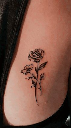 Awesome tiny tattoos for girls are available on our site. Read more and you won. - Awesome tiny tattoos for girls are available on our site. Read more and you wont be sorry you did. Dainty Tattoos, Subtle Tattoos, Pretty Tattoos, Mini Tattoos, Body Art Tattoos, Small Tattoos, Cool Tattoos, Tatoos, Tattoo Ink