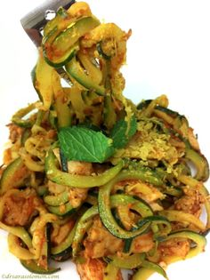 Dr. Sara Solomon's Zucchini Linguine (with Chicken) - has 255 calories and only 6.9 grams of active carbohydrates