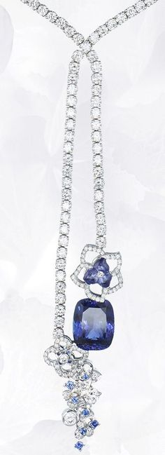 Chaumet Hydrangea | Blue universe - Necklace Necklace in platinum, diamonds, tanzanite, sapphires, set with a cushion-cut tanzanite