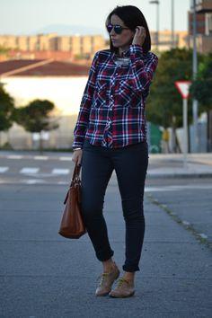 Look: cuadros   jeans   Oxford | Cuidar de tu belleza es facilisimo.com