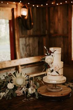 A Whimsical Woodland Wedding in Montreal | Weddingbells Pretty Wedding Cakes, Unique Wedding Cakes, Chic Wedding, Our Wedding, Rustic Wooden Table, Housewarming Party, Reception Areas, Walking Down The Aisle, Wedding In The Woods