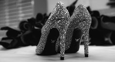 Mascia Mandolesi, wedding shoes, luxury shoes, jewelled sandals hand made in  Civitanova Marche MC Italy