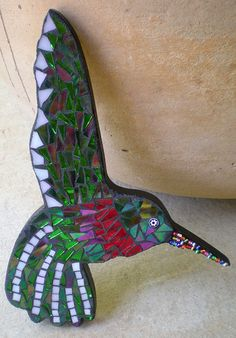 Bead-dazzle humming bird wall art