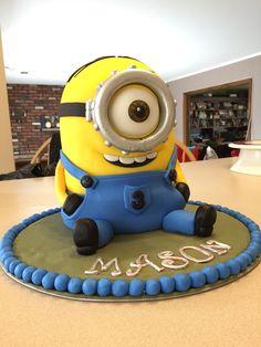 One-Eyed Minion Stuart 3D Fondant Cake