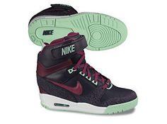 Nike WMNS Air Revolution Sky Hi