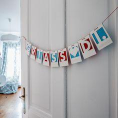 """Buchstabenkette """"Griass Di"""" für die neuen Erdenbürger Mirror, Home Decor, Cordial, Interior Design, Home Interior Design, Mirrors, Home Decoration, Decoration Home, Interior Decorating"""