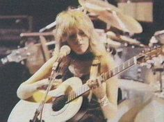 a rare photo of Stevie ~ ☆♥❤♥☆ ~  playing the guitar onstage