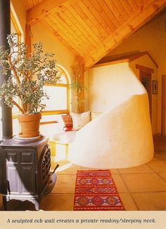Cozy curvy cob bench in a straw bale house. Cob Building, Green Building, Building A House, Earthship Home, Adobe House, Tadelakt, Straw Bales, Natural Homes, Earth Homes