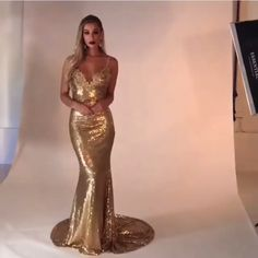 Party Dress Winter Formal Gold Sequins 35 Ideas For 2019 - Prom Dresses Design Gold Prom Dresses, Elegant Prom Dresses, Prom Party Dresses, Formal Evening Dresses, Satin Dresses, Winter Dresses, Sexy Dresses, Evening Gowns, Beautiful Dresses