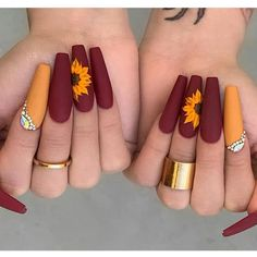 Cute Acrylic Nails 827325394032989232 - Beautiful Sunflower 🌻 nails design Source by melfrifri Summer Acrylic Nails, Best Acrylic Nails, Matte Nails, Gel Nails, Acrylic Art, Acrylic Nails Orange, Summer Nails, Coffin Acrylic Nails Long, Summer Stiletto Nails