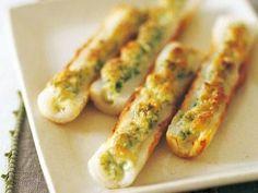 上田 淳子 さんのちくわを使った「ちくわのチーズマヨグリル」。青のりの風味をきかせた和風チーズマヨをちくわにのせて、香ばしく焼きます。お酒のおつまみOKです! NHK「きょうの料理」で放送された料理レシピや献立が満載。