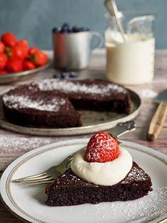 Klassisk kladdkake Brownies, Panna Cotta, Muffins, Cheesecake, Food And Drink, Pudding, Treats, Cookies, Baking