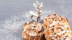 Kein anderes Gewürz ist so verbunden mit Weihnachten wie Zimt. Deswegen passen Zimtschnecken auch wunderbar in die Adventszeit. Mit gebrannten Mandeln ...