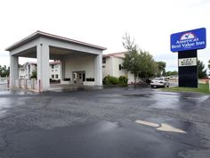 Cedar City (UT) Americas Best Value Inn Cedar City United States, North America Set in a prime location of Cedar City (UT), Americas Best Value Inn Cedar City puts everything the city has to offer just outside your doorstep. Offering a variety of facilities and services, the hotel provides all you need for a good night's sleep. To be found at the hotel are facilities for disabled guests, Wi-Fi in public areas, car park, airport transfer, family room. Guestrooms are fitted with...