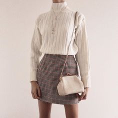 26 Fall Wardrobe Essentials You Need in 2020 Winter Fashion Outfits, Fall Winter Outfits, Look Fashion, Autumn Winter Fashion, Womens Fashion, Young Fashion, Classy Outfits, Trendy Outfits, Fall Wardrobe Essentials