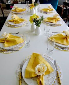 Yellow Decor Inspired By Asian Paints COTY 2018 Gelbes Dekor inspiriert von asiatischen Farben COTY 2018 This image has get. Party Decoration, Table Decorations, Yellow Decorations, Asian Paints, Beautiful Table Settings, Table Set Up, Napkin Folding, Dinning Table, Elegant Table