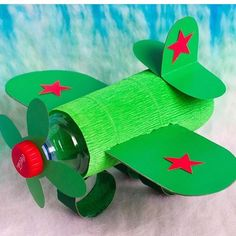 Airplane Craft with a small pop bottle, construction paper and streamer paper. Toilet Paper Crafts, Paper Roll Crafts, Paper Crafts For Kids, Easy Crafts For Kids, Craft Activities For Kids, Toddler Crafts, Preschool Crafts, Diy For Kids, Fun Crafts